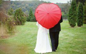 نگرش منفی جامعه به توان نابینایان، آنان را در مساله ازدواج با مشکل روبرو می سازد
