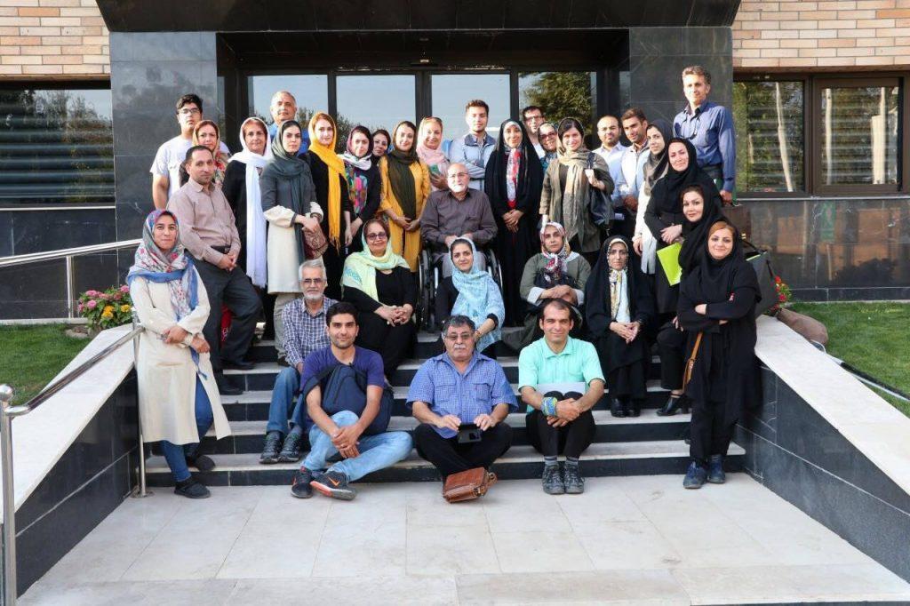 بازدید فارغالتحصیلان دانشگاه شریف از کانون توانا و فیروز