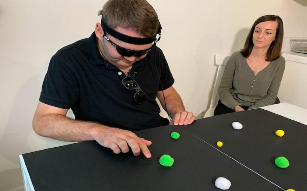 «پیشرفت» در دستگاه برگشت حس بینایی نابینایان و توان مشاهدهی نور و حرکت