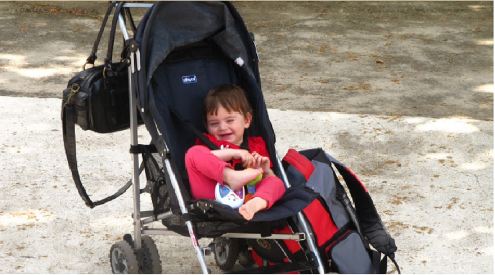به پدر و مادری که فرزندش با معلولیت متولد شده  چه باید بگوییم