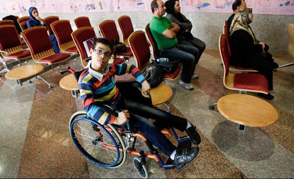 مسکوت ماندن بخشهایی از قانون حمایت از حقوق معلولان!