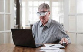 تجربه کم بینایان در دید با عینک هوشمند ESIGHT