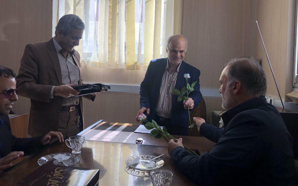بازدید مدیرعامل کانون توانا از موسسه نابینایان بهمناسبت روز جهانی عصای سپید