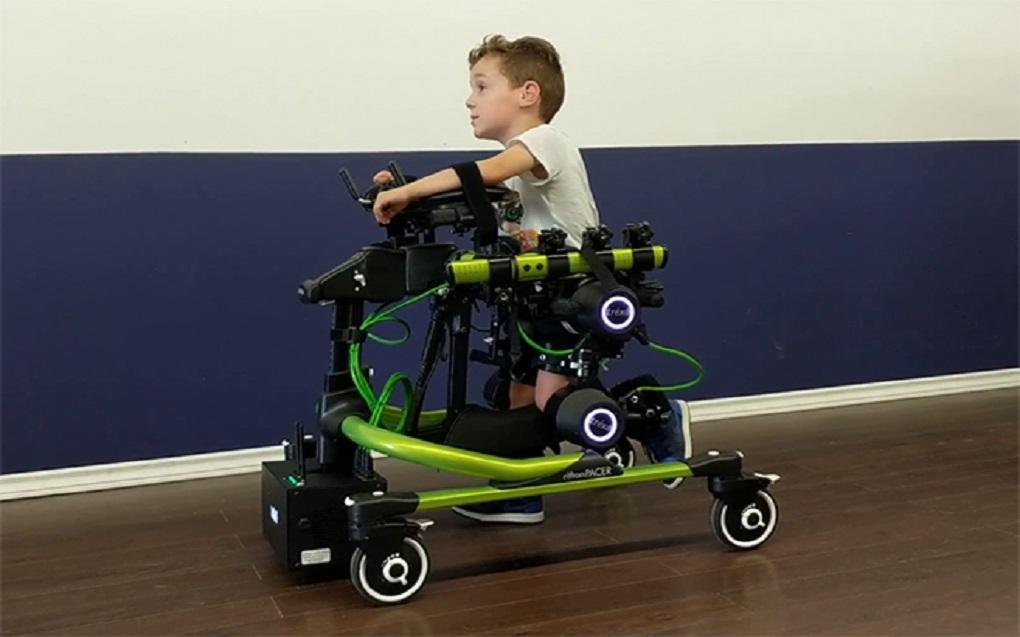 بهبود راه رفتن کودکان مبتلا به فلج مغزی با اسکلت بیرونی